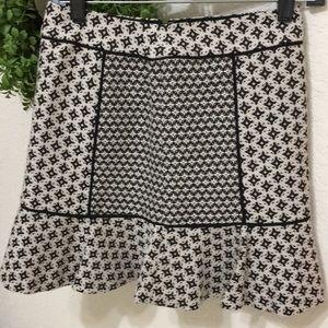 🆕 Loft patterned sassy skirt